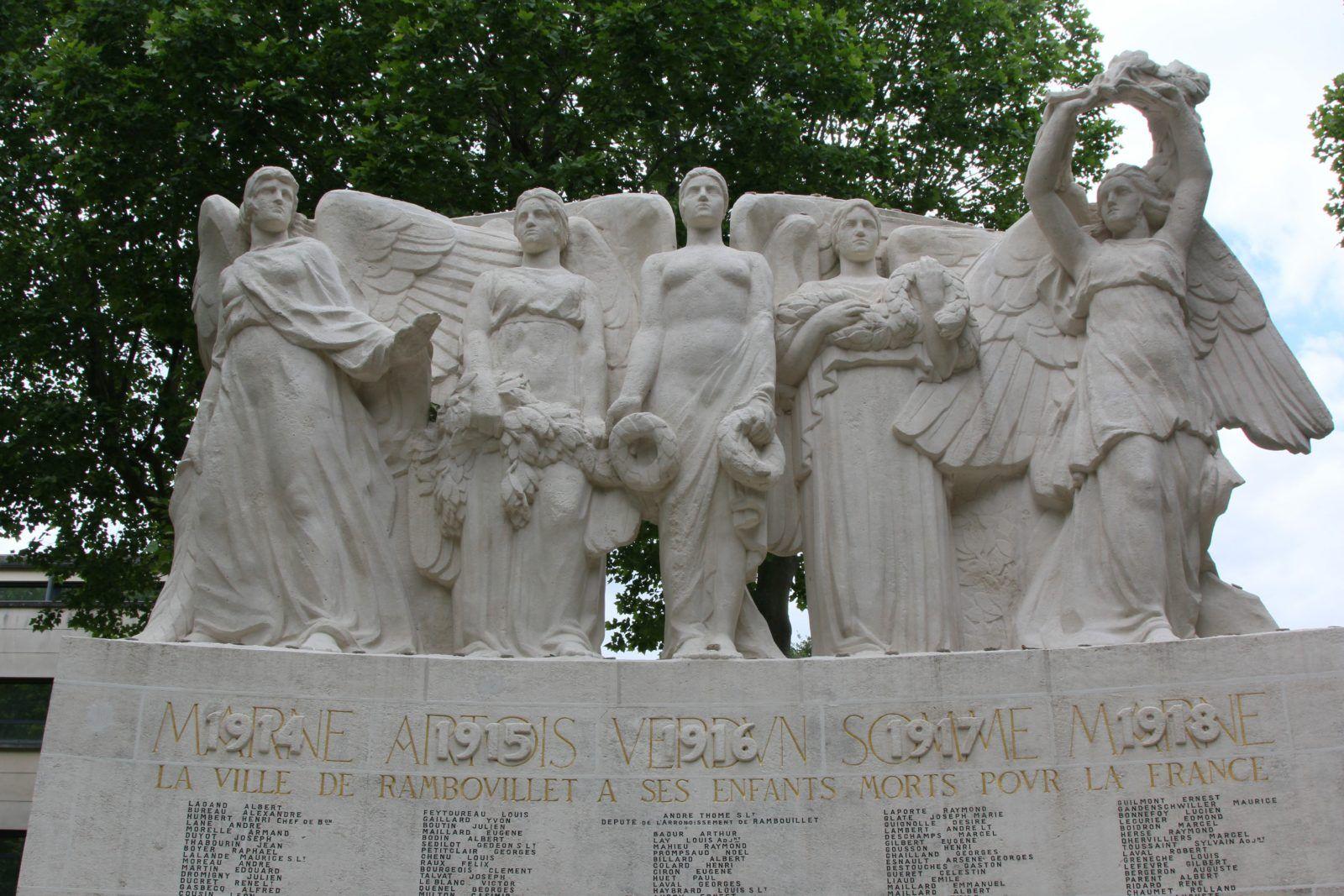 Le monument aux morts de Rambouillet